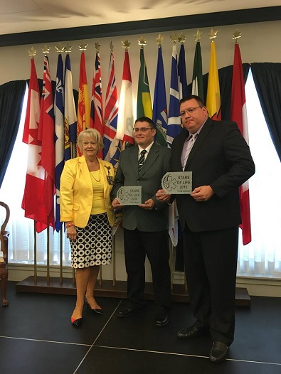 La Loche paramedics given award for response in wake of mass shooting