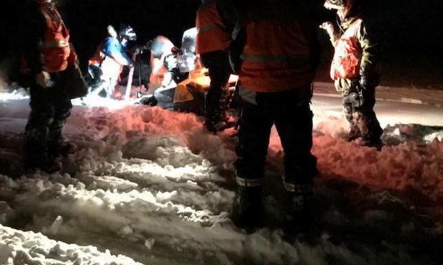 Canadian Rangers rescue RCMP and civilian snowmobilers stuck in lake slush near La Ronge