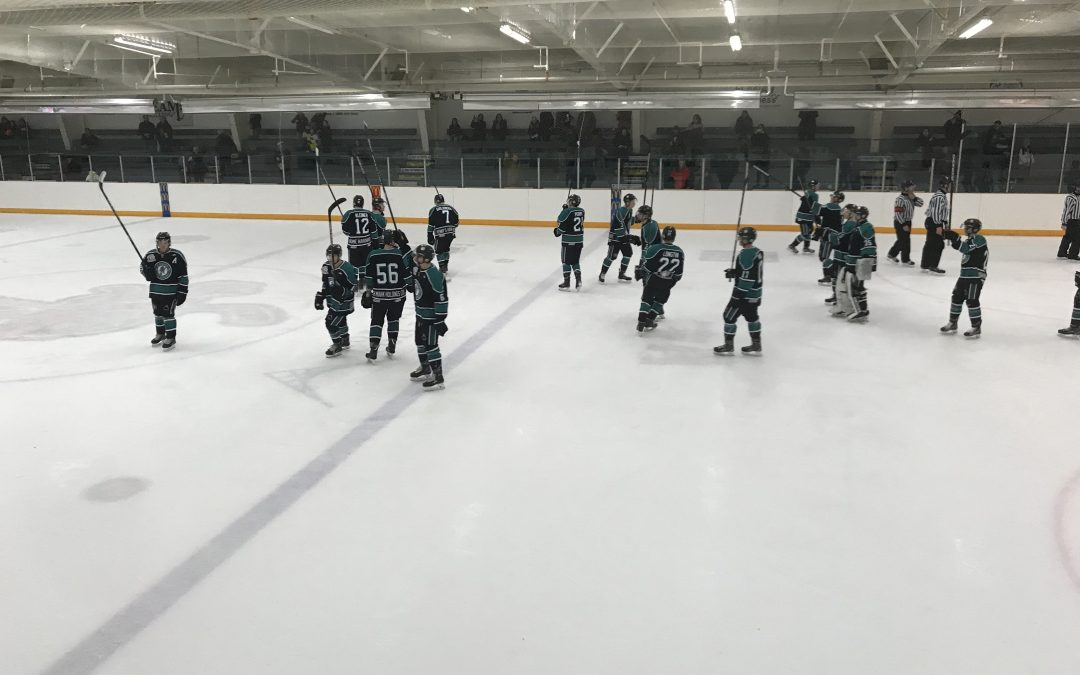 Ice Wolves tame Bombers