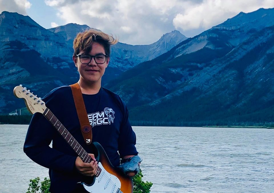 Wollaston Lake teen amputee hopes to inspire others by playing music