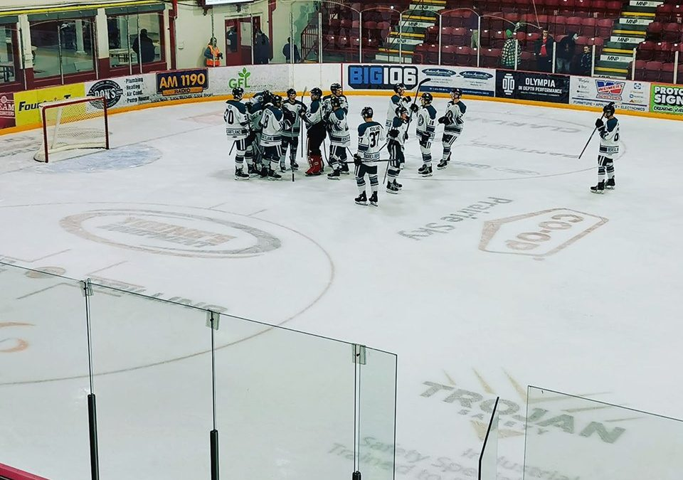 Ice Wolves win third straight