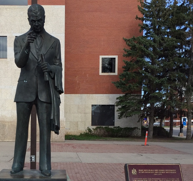 Prince Albert examines residency policy for city employees